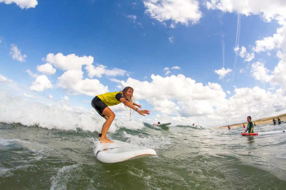 Wellenreiten lernen in Frankreich