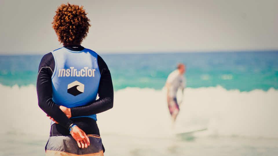 Surflehrer am Beach