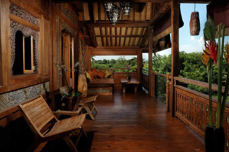 Terrasse im Surfcamp