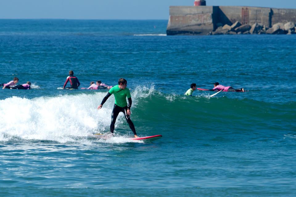 Wellenreiten in Esmoriz