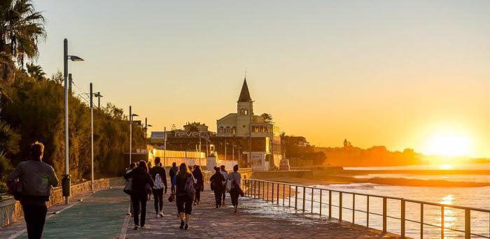 Yoga und Surfen Lissabon