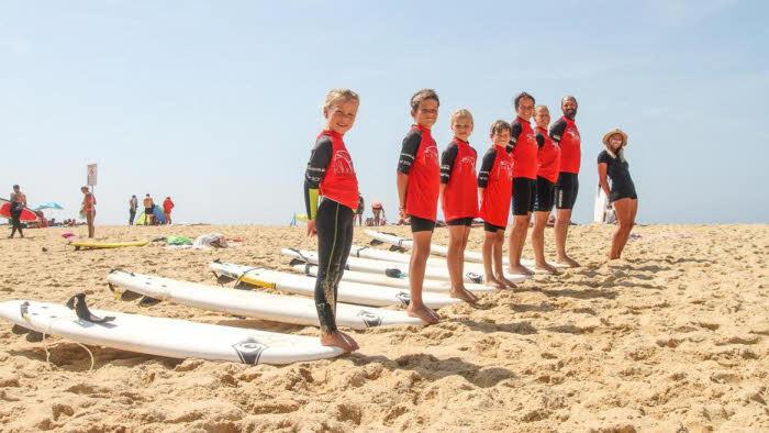 Surfkurs für die ganze Familie