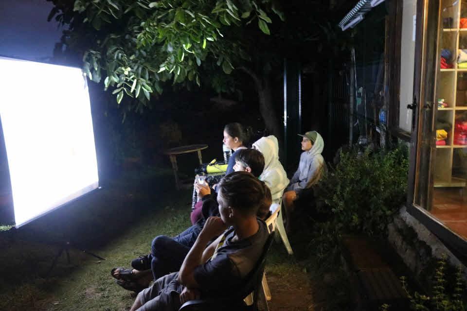 Filmabend im Surfcamp