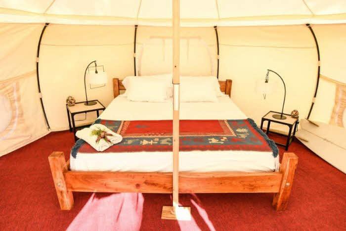 Doppelbett im Luxus Zelt